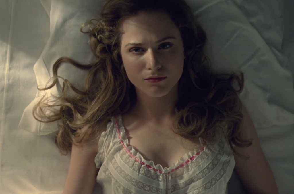dolores-waking-up-westworld-episode-three