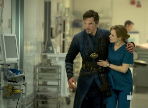 Marvel's DOCTOR STRANGE L to R: Doctor Stephen Strange (Benedict Cumberbatch) and Christine Palmer (Rachel McAdams) Photo Credit: Jay Maidment ©2016 Marvel. All Rights Reserved.